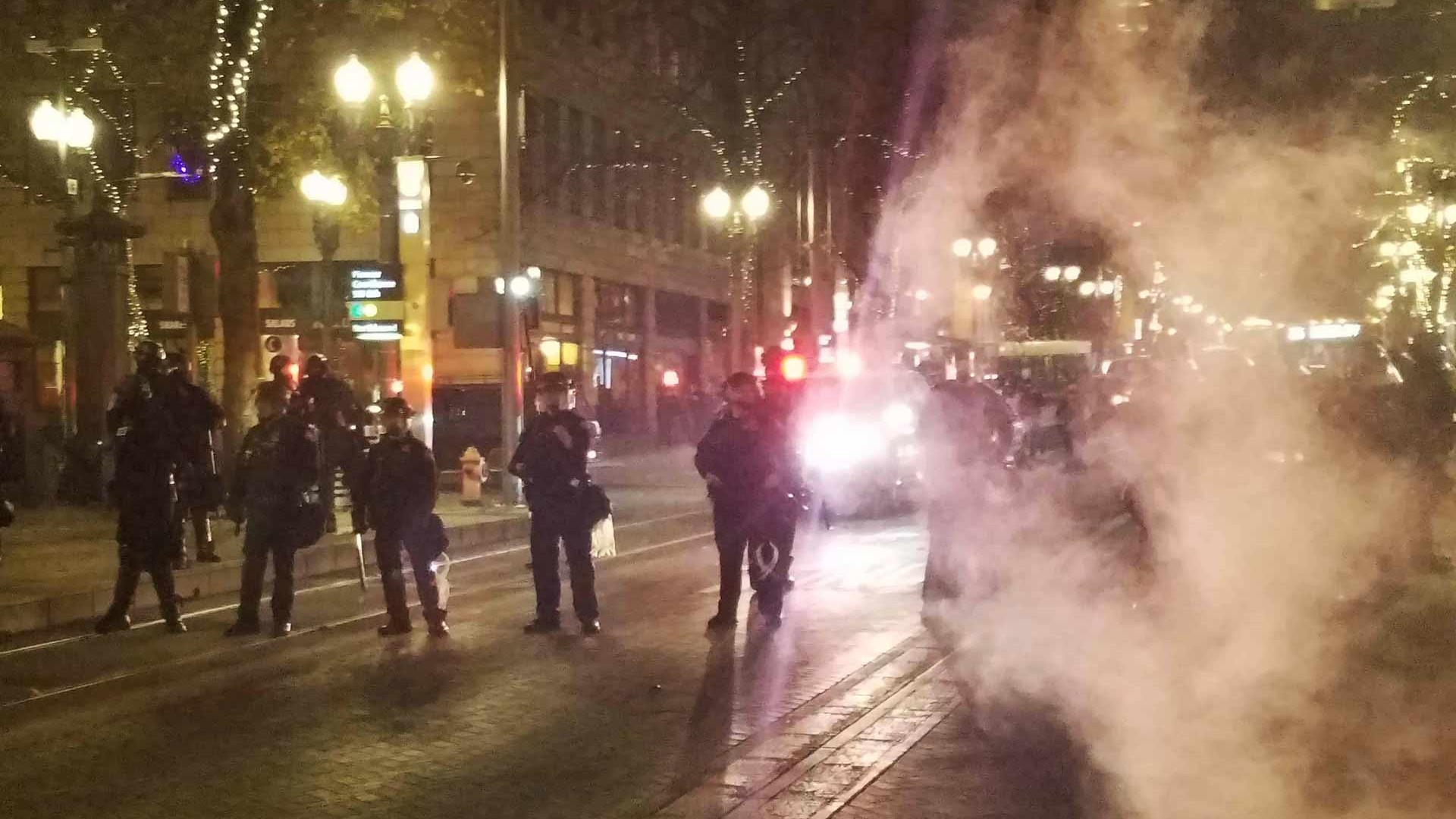 Anti Trump Protests In Portland Erupt Into Mayhem Vice News