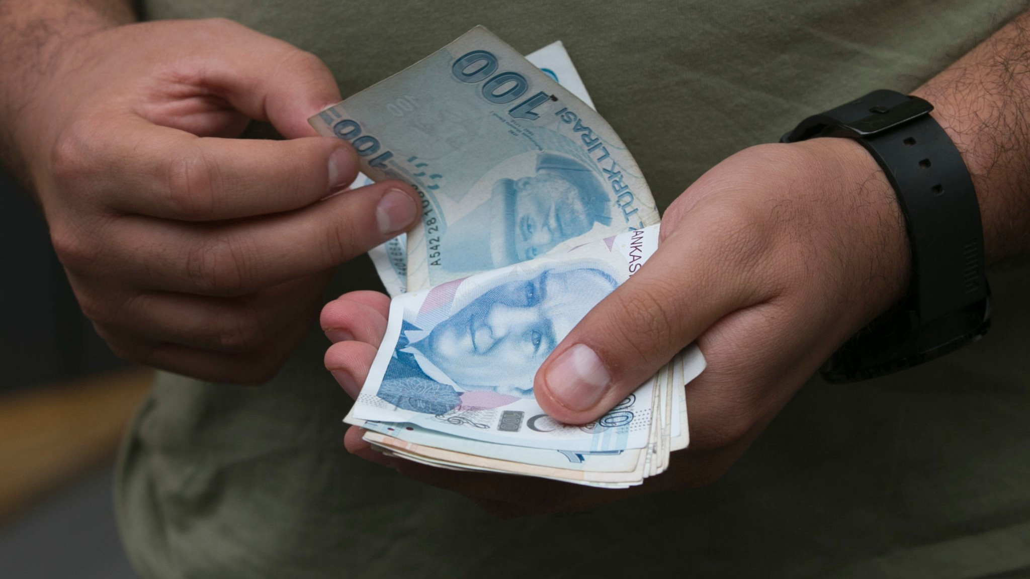 New Travel Restrictions Between U S And Turkey Send Lira Tumbling